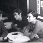 """Maria del Mar Bonet amb Lluís Llach i Rafael Subirachs  a la presentació de la """"Novíssima Cançó"""" a la Cova del Drac el 4 de juliol del 1967"""