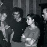 """Maria del Mar Bonet amb Lluís Llach, Rafael Subirachs i Josep Mª Espinàs a la presentació de la """"Novíssima Cançó"""" a la Cova del Drac el 4 de juliol del 1967"""