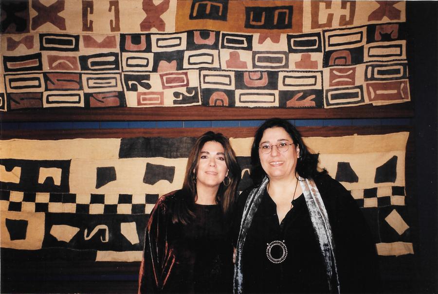 Maria del Mar Bonet amb Maria Farandouri l'any 2000 a Atenes