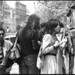 Maria del Mar Bonet passejant per París durant els dies previs al concert a l'Olympia