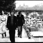 Maria del Mar Bonet amb Ovidi Montllor i Toti Soler a París, passejant al costat del Sena, durant els dies previs al concert a l'Olympia