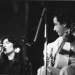 Maria del Mar Bonet i Javier Mas durant el recital a la Plaça del Rei de Barcelona, estiu 1985