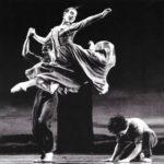 "Fotografia de la coreografia ""Arenal"", de la Nederland Dans Theatre, 1988"