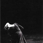 """Fotografia de la coreografia """"Arenal"""" al Teatre Grec de Barcelona, 1988"""