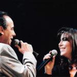 """Maria del Mar Bonet i Joan Manuel Serrat cantant """"No trobaràs la mar"""" al concert El Cor del temps. Fotografia de Juan Miguel Morales"""