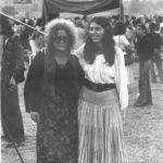 Maria del Mar Bonet i Marina Rossell al festival 6 hores de Canet, estiu 1975