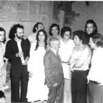 Maria del Mar Bonet a l'homenatge al mestre Agapito Marazuela, a Segovia l'any 1975. Amb Amancio Prada de negre, Enrique Morente i el mestre Marazuela al centre, entre d'altres.