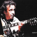 Javier Mas durant el concert de Raixa, 2001. Fotografia promocional de Juan Miguel Morales