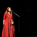 Maria del Mar Bonet durant el concert Raixa a la Plaça del Rei de Barcelona, 2001 (Fotografia Juan Miguel Morales)