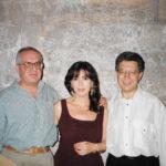 Maria del Mar Bonet amb Joan Manresa, a l'esquerra, i Zulfu Livanelli, Barcelona 1994