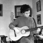 Maria del Mar Bonet al despatx del pare, Joan Bonet, el 1965